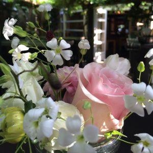 Bloemen en events | Bruidsdecoratie tafeldecoratie Restaurant Poppe