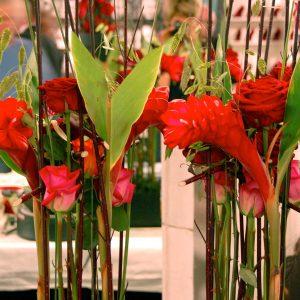 Bloemen en events | Frame arrangement in rood