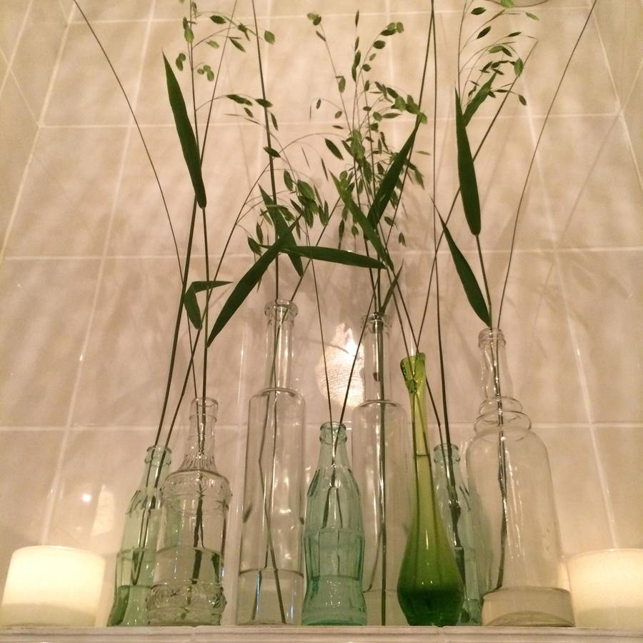 Bloemen in je huis | Grasjes op verschillende vaasjes - Het kleinste kamertje