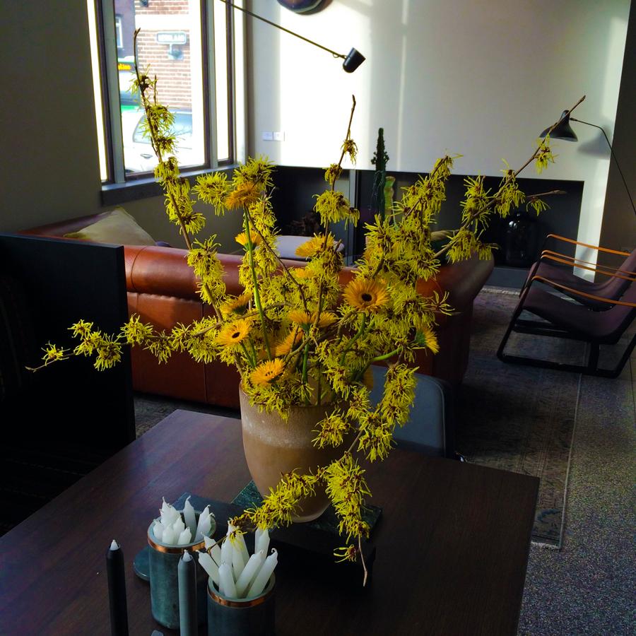 Stoer geel in je kantoor