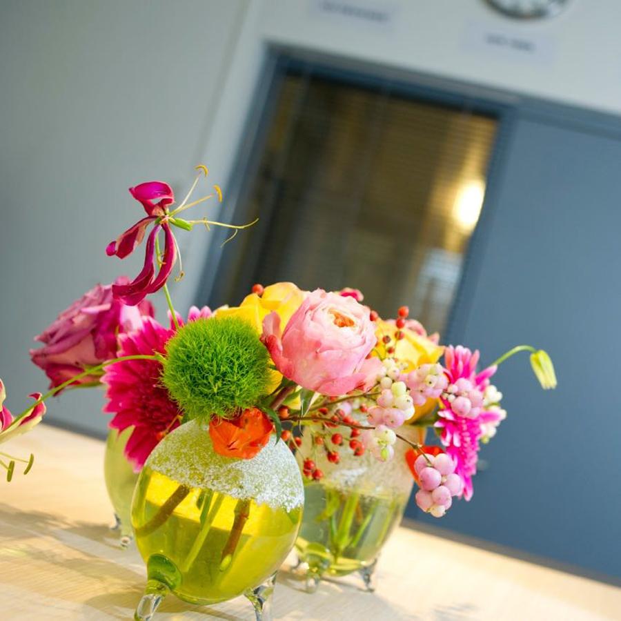 Bloemen op je vergadertafel